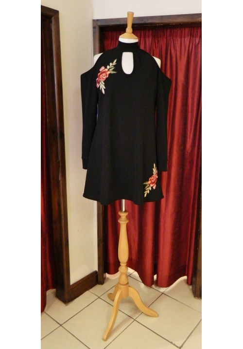 CURVY GIRLS APPLIQUE EMBROIDERED TUNIC